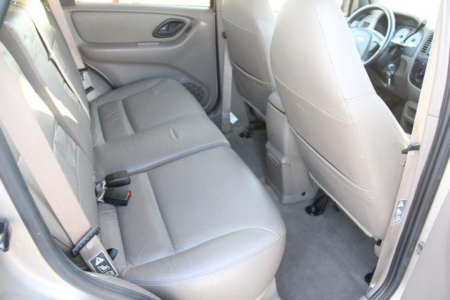 2001 Ford Escape XLT Santa Clarita, CA 16