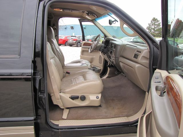 2001 Ford Excursion Limited in Medina OHIO, 44256