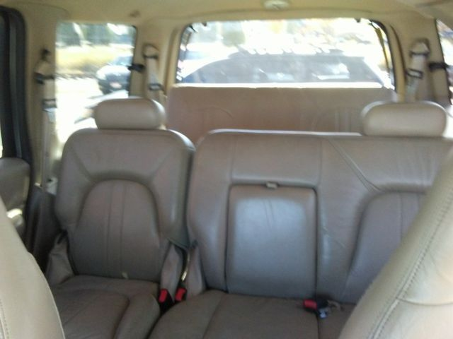 2001 Ford Expedition XLT in Missoula, MT 59801