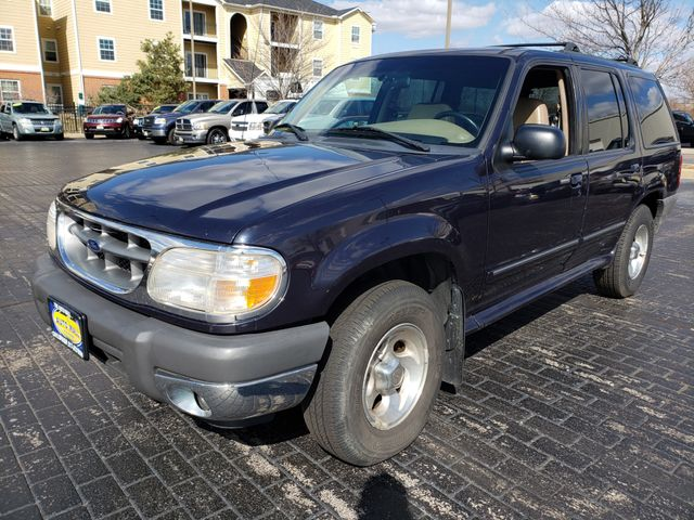 2001 Ford Explorer XLT 4WD | Champaign, Illinois | The Auto Mall of Champaign in Champaign Illinois