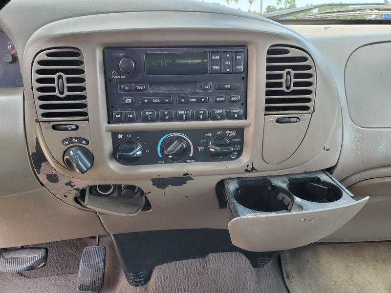 2001 Ford F-150 Lariat  Brownsville TX  English Motors  in Brownsville, TX