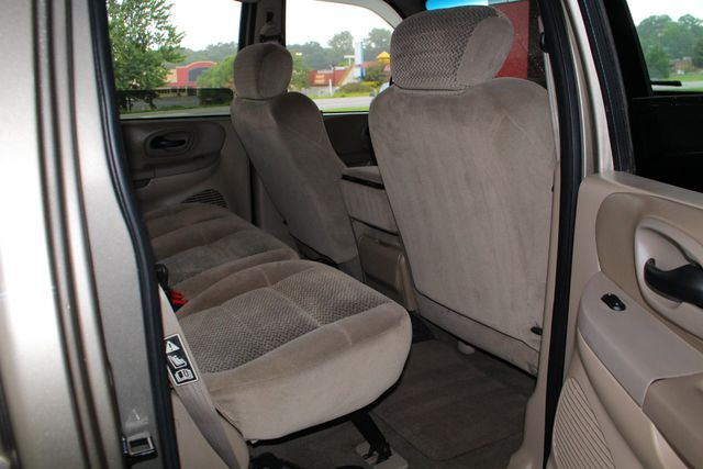 2001 Ford F-150 XLT SuperCrew RWD - FIBERGLASS TOPPER - ONE OWNER! Mooresville , NC 33