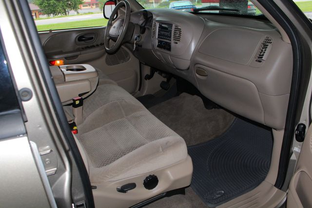 2001 Ford F-150 XLT SuperCrew RWD - FIBERGLASS TOPPER - ONE OWNER! Mooresville , NC 29