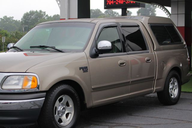 2001 Ford F-150 XLT SuperCrew RWD - FIBERGLASS TOPPER - ONE OWNER! Mooresville , NC 24