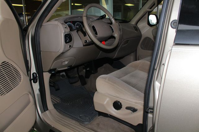 2001 Ford F-150 XLT SuperCrew RWD - FIBERGLASS TOPPER - ONE OWNER! Mooresville , NC 27