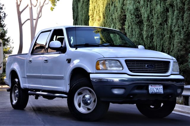 2001 Ford F-150 XLT in Reseda, CA, CA 91335