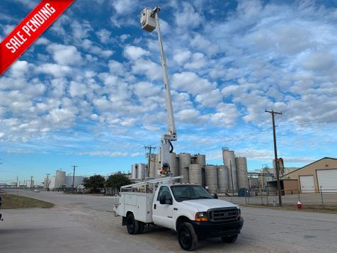 2001 Ford F450 BUCKET TRUCK   in Fort Worth, TX