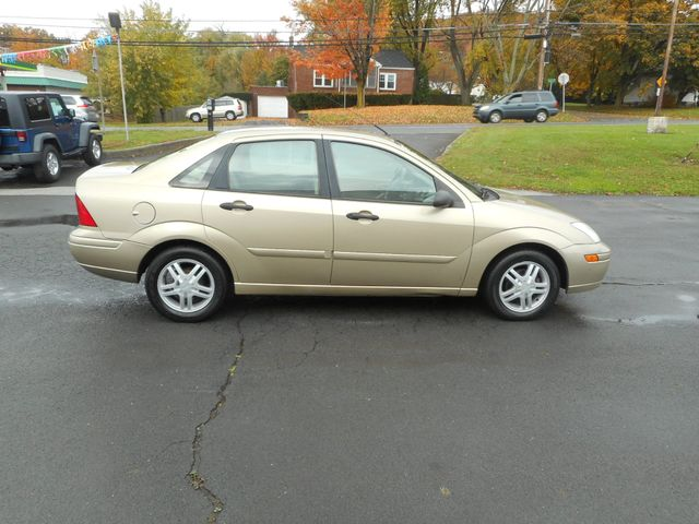 2001 Ford Focus SE New Windsor, New York 7