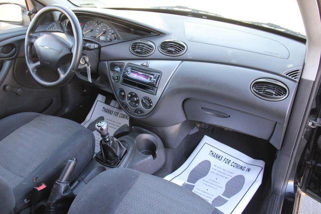 2001 Ford Focus ZX3 Santa Clarita, CA 11