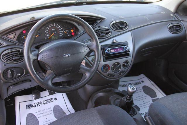 2001 Ford Focus ZX3 Santa Clarita, CA 10