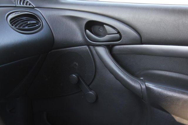 2001 Ford Focus ZX3 Santa Clarita, CA 24