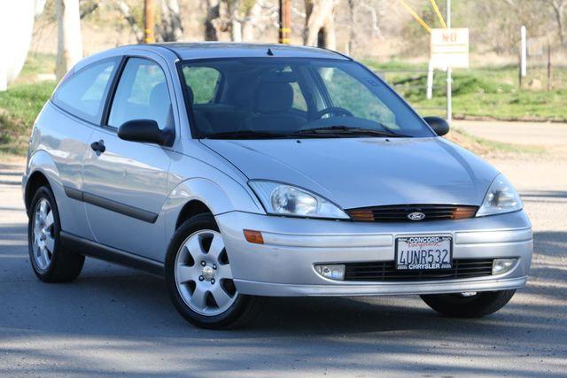 2001 Ford Focus ZX3 Santa Clarita, CA 3