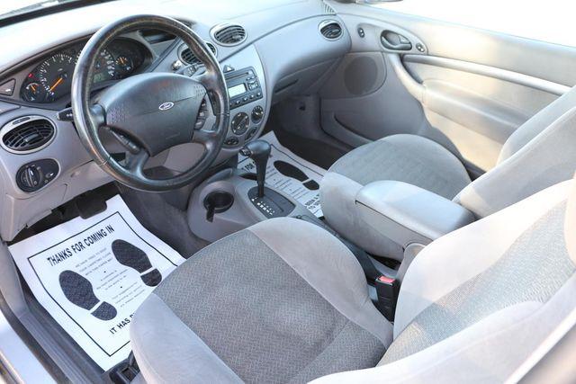 2001 Ford Focus ZX3 Santa Clarita, CA 7