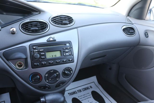 2001 Ford Focus ZX3 Santa Clarita, CA 18