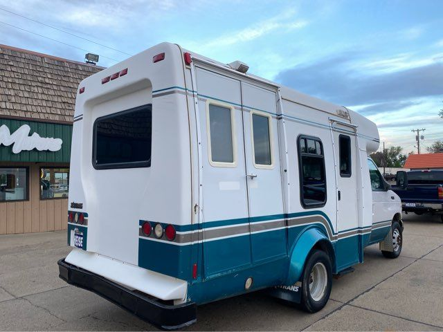 2001 Ford Handicap Bus in Dickinson, ND 58601