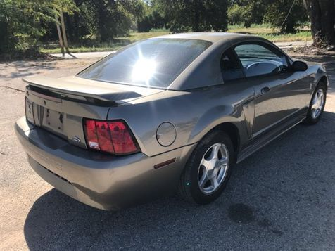 2001 Ford Mustang 143k Miles Excellent Condition | Ft. Worth, TX | Auto World Sales LLC in Ft. Worth, TX