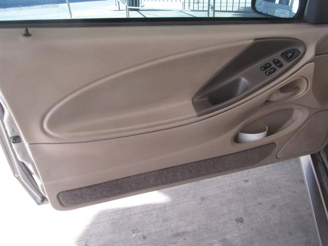 2001 Ford Mustang GT Deluxe Gardena, California 9