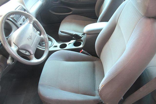 2001 Ford Mustang Deluxe Santa Clarita, CA 12