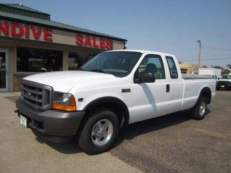 2001 Ford Super Duty F-250 XL in Glendive, MT