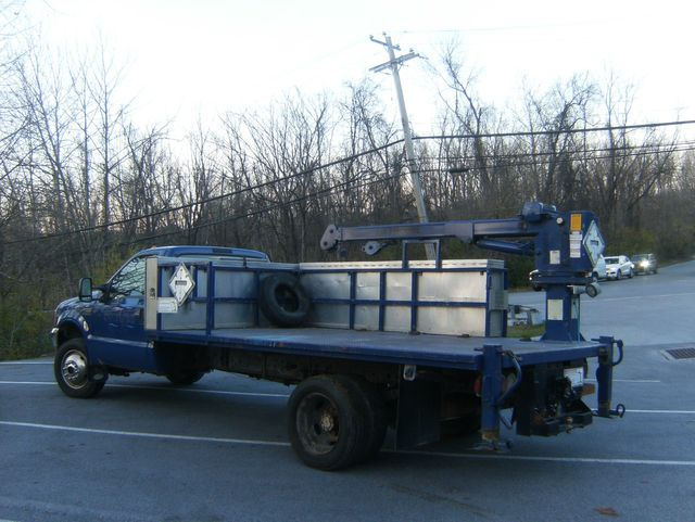 2001 Ford Super Duty F-550 XL 4WD in West Chester, PA 19382