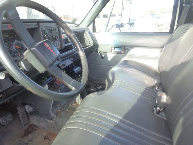 2001 GMC 8500 Hoosick Falls, New York 4