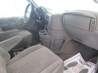 2001 GMC Safari Passenger Gardena, California 7