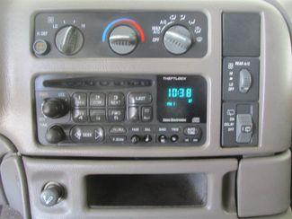 2001 GMC Safari Passenger Gardena, California 6