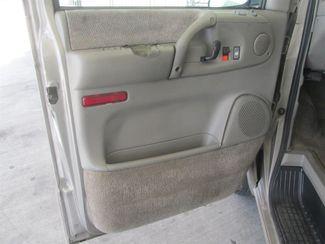 2001 GMC Safari Passenger Gardena, California 8