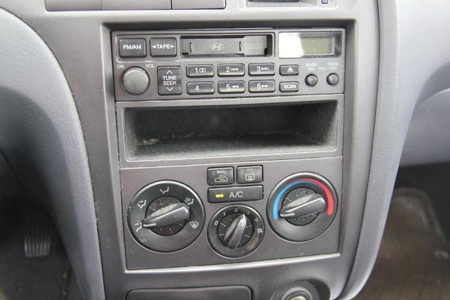 2001 Hyundai Elantra GLS Santa Clarita, CA 20