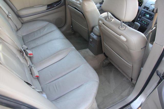2001 Infiniti I30 Luxury Santa Clarita, CA 16
