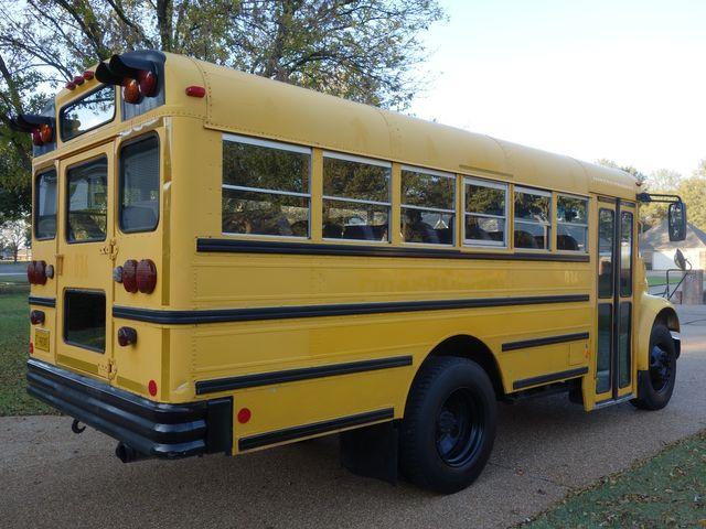 2001 International 3000 Series School Bus in Marion, AR 72364