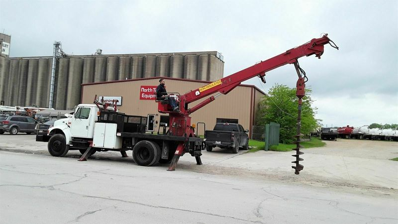 2001 International  4700 DT466E DIGGER DERRICK POLE GRAB AND WINCH  city TX  North Texas Equipment  in Fort Worth, TX
