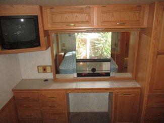 2001 Itasca WinnebagoSuncruiser 35U  city Florida  RV World of Hudson Inc  in Hudson, Florida