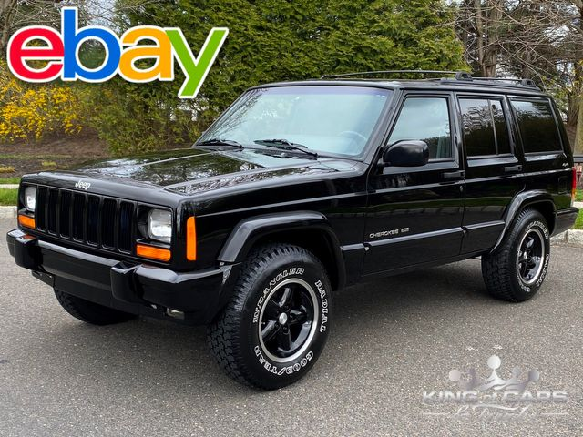 2001 Jeep Cherokee Limited 4X4 LOW MILES 4.0L I6 CLEAN CARFAX in Woodbury, New Jersey 08093