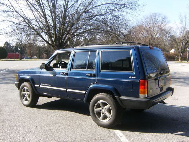 2001 Jeep Cherokee Sport 4Wd in West Chester, PA 19382