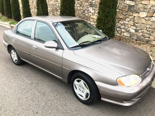 2001 Kia-One Owner! Auto! Sephia-BUY HERE PAY HERE LS-CARMARTSOUTH.COM in Knoxville, Tennessee 37920