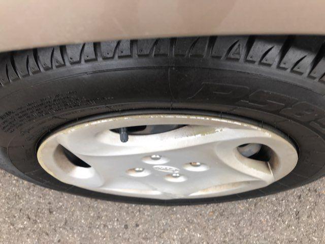 2001 Kia Sephia LS Knoxville, Tennessee 18