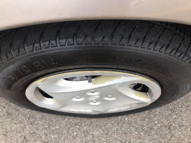 2001 Kia Sephia LS Knoxville, Tennessee 17