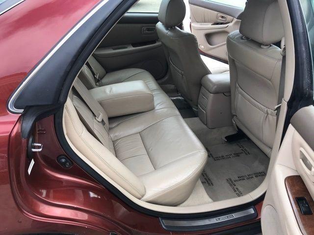 2001 Lexus ES 300 in Medina, OHIO 44256