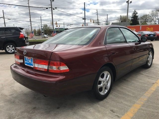2001 Lexus ES 300 in Medina, OHIO 44256