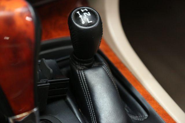 2001 Lexus LX 470 Houston, Texas 32
