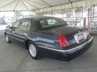 2001 Lincoln Town Car Executive Gardena, California 1