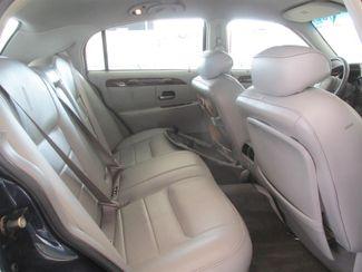 2001 Lincoln Town Car Executive Gardena, California 11