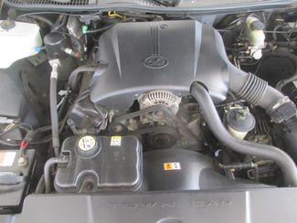 2001 Lincoln Town Car Executive Gardena, California 14