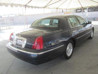 2001 Lincoln Town Car Executive Gardena, California 2