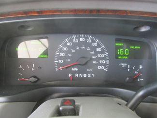 2001 Lincoln Town Car Executive Gardena, California 5