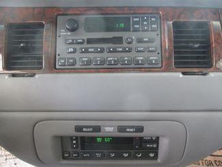 2001 Lincoln Town Car Executive Gardena, California 6
