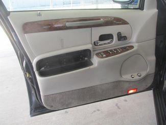 2001 Lincoln Town Car Executive Gardena, California 8