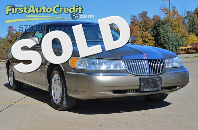 2001 Lincoln Town Car Signature in Jackson MO, 63755