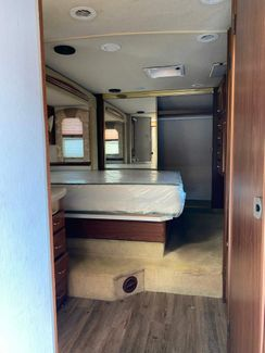 2001 National Palisades Limited  city Florida  RV World Inc  in Clearwater, Florida